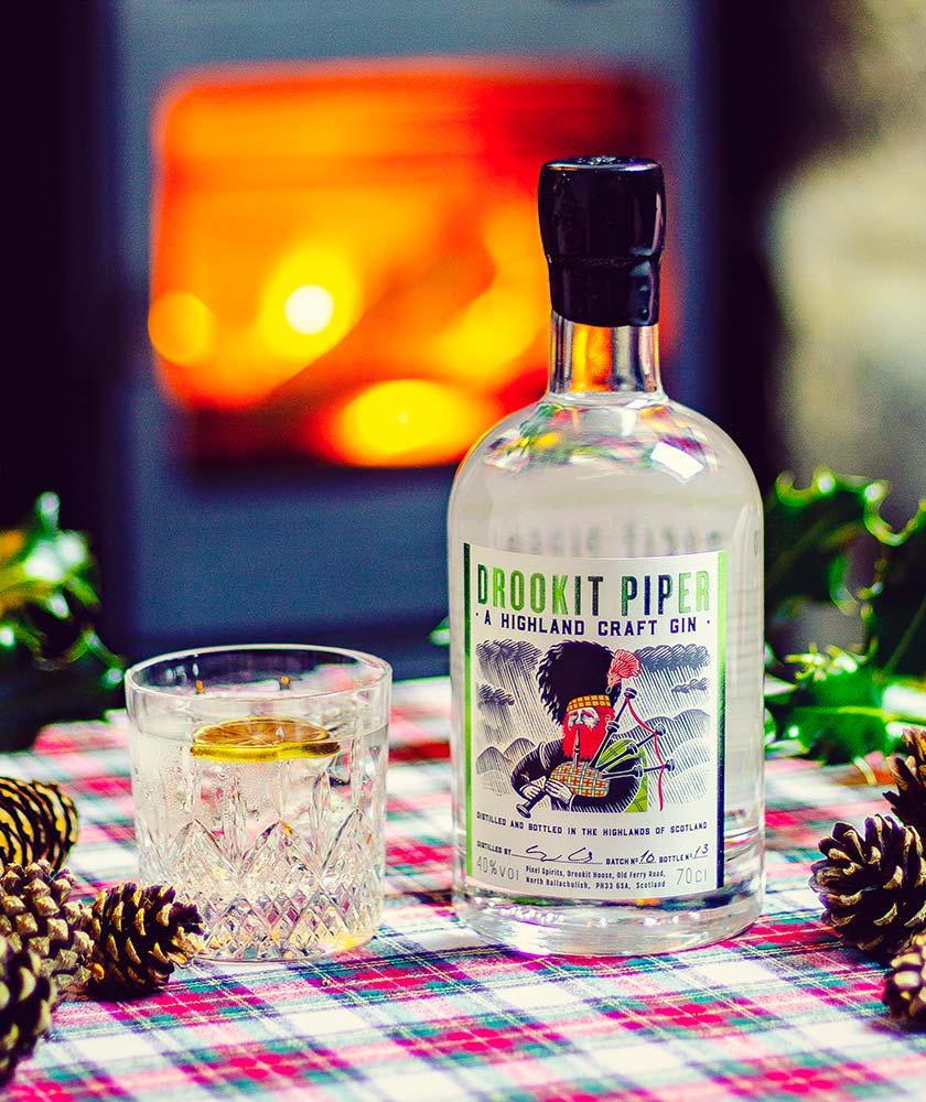 Drookit Piper Gin Bottle